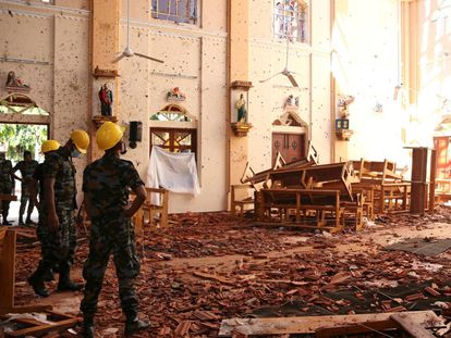 Igreja de São Sebastião na cidade de Negombo (Sri Lanka), devastada por uma das explosões no Domingo de Páscoa