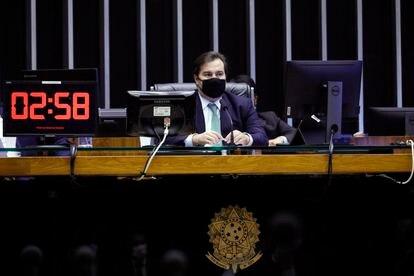 O presidente da Câmara, Rodrigo Maia, na sessão desta quarta-feira.
