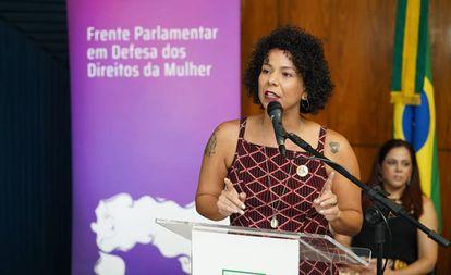 A deputada federal Áurea Carolina (PSOL-MG) é mestra em ciência política pela UFMG e especialista em gênero e igualdade pela Universidade Autônoma de Barcelona