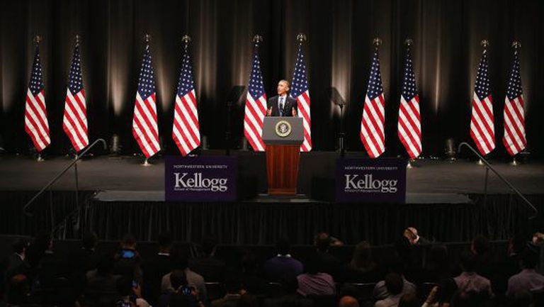 Obama fala para os estudantes da Northwestern University.