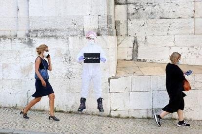Mulheres com máscara em Lisboa, em 23 de junho.
