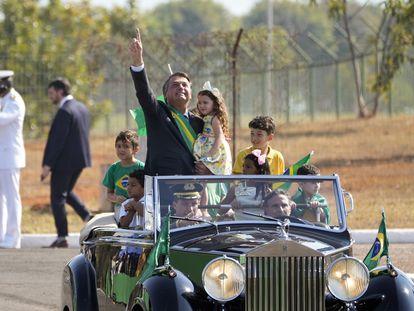 Presidente Jair Bolsonaro desfila em Brasília no 7 de Setembro.