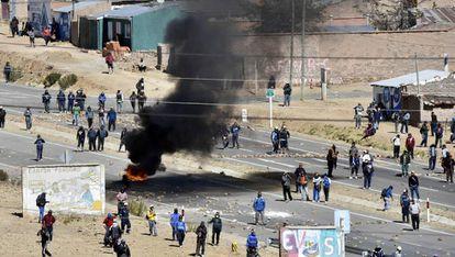 Um conflito entre policiais e mineiros na Bolívia.