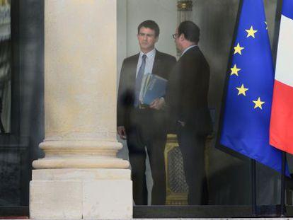 Manuel Valls e François Hollande, nesta segunda.