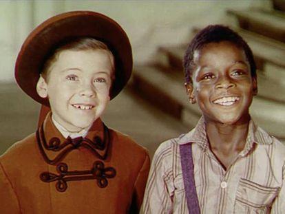 Bobby Driscoll (esquerda) e Glenn Leedy, em cena de 'A Canção do Sul' (1946).