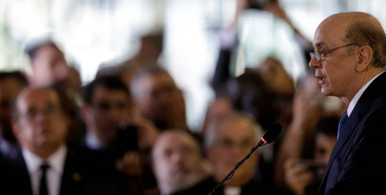 José Serra discursa como chanceler brasileiro.