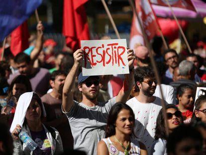Ato de protesto no Dia do Trablaho, no centro do Rio.