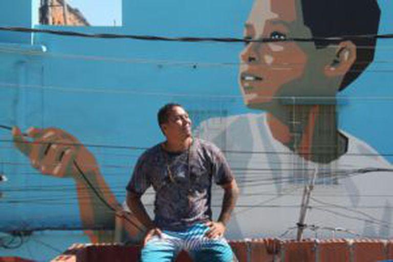 O artista Ângelo Campos no Rio.