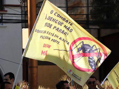 Campanha contra a dengue em Sorocaba, uma das cidades que declararam epidemia neste ano.