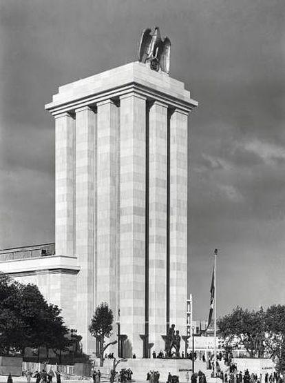 Pavilhão alemão, de Albert Speer, na Exposição Internacional de Paris, de 1937.