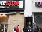 Exterior de una tienda de GameStop.
