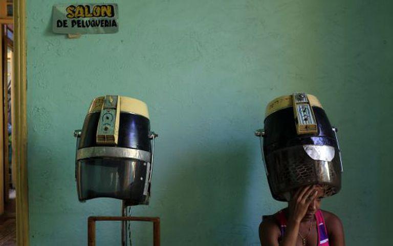 Salão de cabeleireiro em Santiago de Cuba.