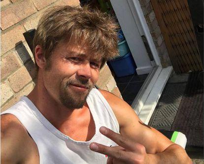 Nathan Meads em uma das fotos que compartilha no Instagram. A semelhança com Brad Pitt é evidente./ Foto: Instagram