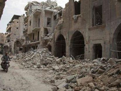 A ofensiva rebelde deixa ao menos de vinte mortos em regiões controladas pelo regime sírio. É o segundo ataque a um hospital em menos de uma semana