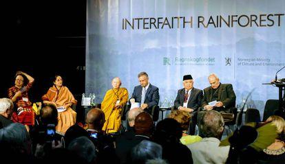 Líderes religiosos – indígena, hindu, budista, judeu, católico e muçulmano – debatem sobre seu papel na defesa das florestas tropicais
