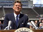 John F. Kennedy, durante el histórico discurso en el que anunció que su país iría a la Luna.
