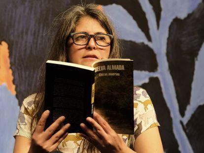 Escritora argentina durante debate na Flip
