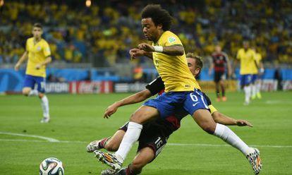 Marcelo perde a bola.