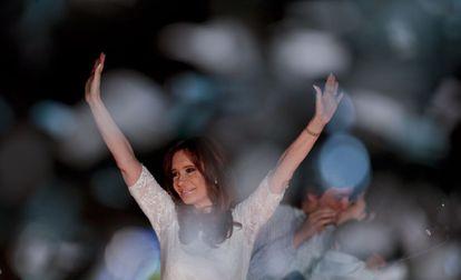 Cristina Kirchner na Praça de Maio, em dezembro.