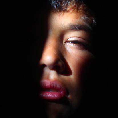 Fotograma de 'Lluvia de Jaulas' del director César González.