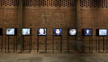Vídeos com 'performances' de Marina Abramović no Sesc Pompeia de São Paulo.