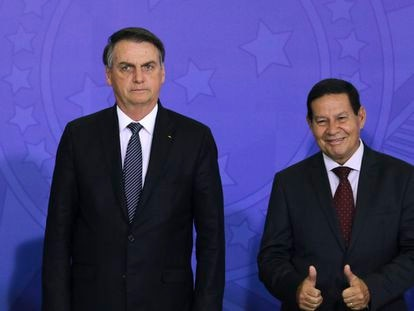 Mourão antagoniza com Bolsonaro e expõe as contradições do Governo.