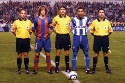 Mauro Silva, à direita, durante jogo contra o Barça.
