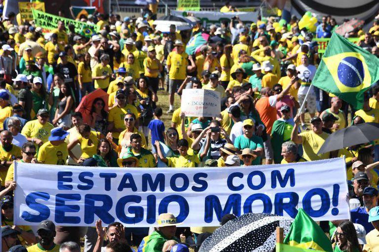 Marcha a favor do ministro Sergio Moro neste domingo na praia de Copacabana.