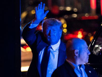 Donald Trump, no domingo passado, nas imediações da Torre Trump, em Nova York.
