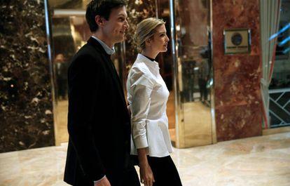 Ivanka Trump e seu marido, Jared Kushner, na Torre Trump de Nova York, em novembro.
