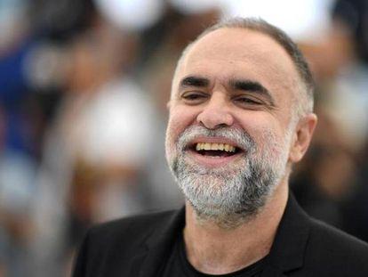 O diretor Karim Aïnouz no tapete vermelho de Cannes, em maio.