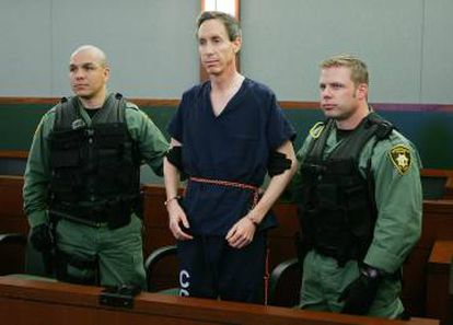 O líder religioso Warren Jeffs durante o julgamento em que foi acusado de interceder em matrimônios homens adultos com garotas menores de idade. Foi em Las Vegas, em 2006.