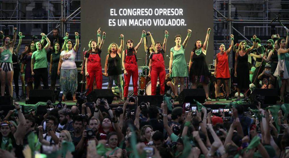 Milhares de argentinas relançam a campanha pelo aborto legal com o primeiro  'pañuelazo' do ano | Internacional | EL PAÍS Brasil