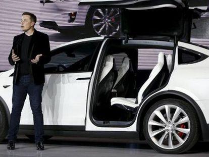 Tesla Model X, um carro com asas