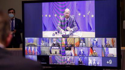 O presidente do Conselho Europeu, Charles Michel, na videoconferência desta quinta-feira sobre a covid-19, em Bruxelas.