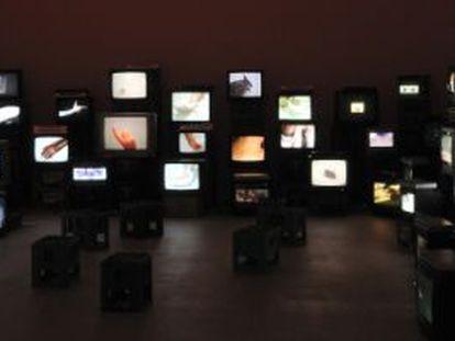 Instalação do videoartista Douglas Gordon no Museu de Arte Moderna de Paris.
