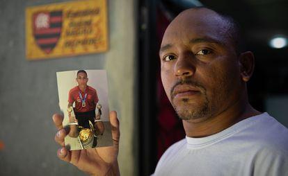 Cristiano Esmério, pai do goleiro Christian, que tinha 15 anos quando morreu no incêndio do Ninho do Urubu.