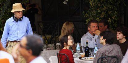 Woody Allen, Ellen Page, Alec Baldwin e Jesse Eisemberg nas filmagens de 'Para Roma com Amor' em 2011.