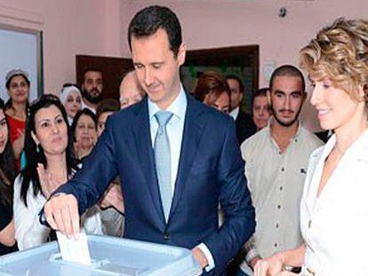 Assad, presidente sírio, com sua esposa Asmaa.
