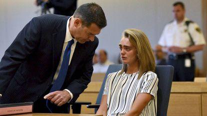 Michelle Carter com seu advogado, Joseph Cataldo.