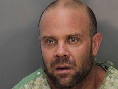 Jonathan Oddi depois de sua detenção.