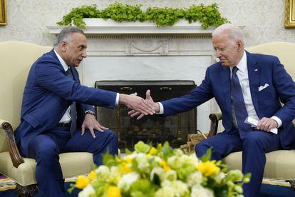 O presidente dos Estados Unidos, Joe Biden, em seu encontro com o primeiro ministro do Iraque, Mustafa al Kadhimi, nesta segunda-feira em Washington.