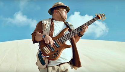 Groovador encena 'Jumanji nordestino' em campanha de lançamento de filme.