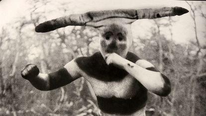 Um fotograma de 'O botão de pérola'.