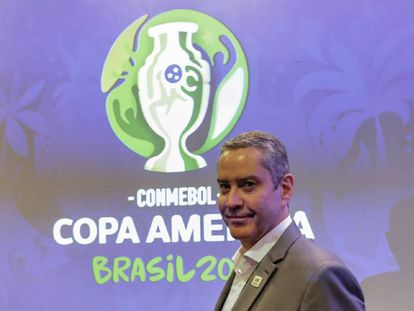 Rogério Caboclo, futuro presidente da CBF, em seminário antes do sorteio.