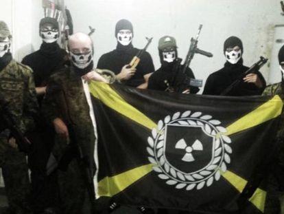 Imagem da Atomwaffen Division nas redes sociais.