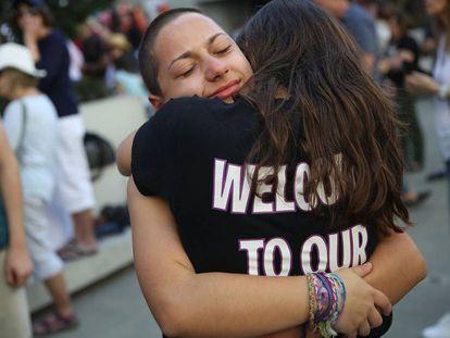 A estudante Emma González (de frente), no sábado em Fort Lauderdale.