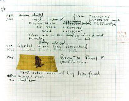 """O primeiro """"bug"""" de computador, uma mariposa presa entre os 'relés'."""