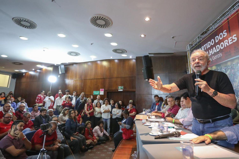 O ex-presidente Lula, em um encontro com apoiadores em Belo Horizonte (Minas Gerais), na sexta-feira, 24 de janeiro.