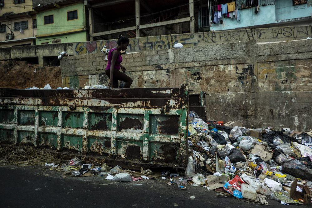 Pobreza extrema beira 80% na Venezuela